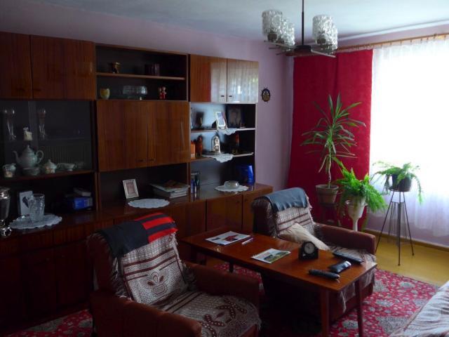 1/2 Domu 200 m2 + działka 1,5 ha